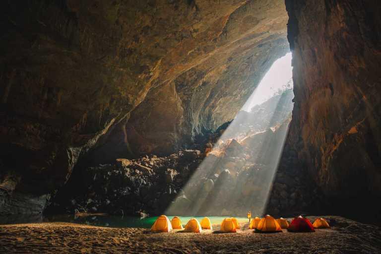 Trekking Hang Én, hang động lớn thứ 3 thế giới