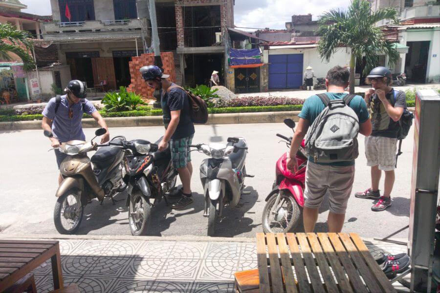dịch vụ thuê xe máy quảng bình giao tận nơi tại ga tàu Đồng Hới