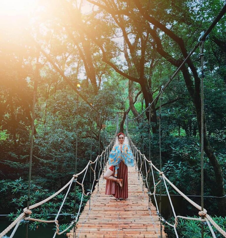 Những câu cầu tre trong công viên - nơi cho ra đời những bức ảnh chill