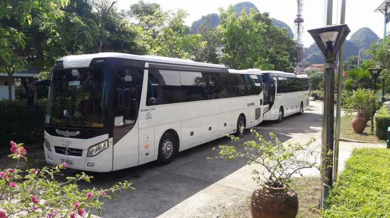 Thuê xe du lịch 45 chỗ đời mới tại Quảng Bình