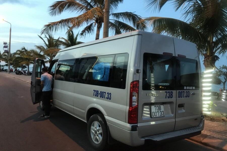Cho thuê xe du lịch 16 chỗ Quảng Bình FordTransit