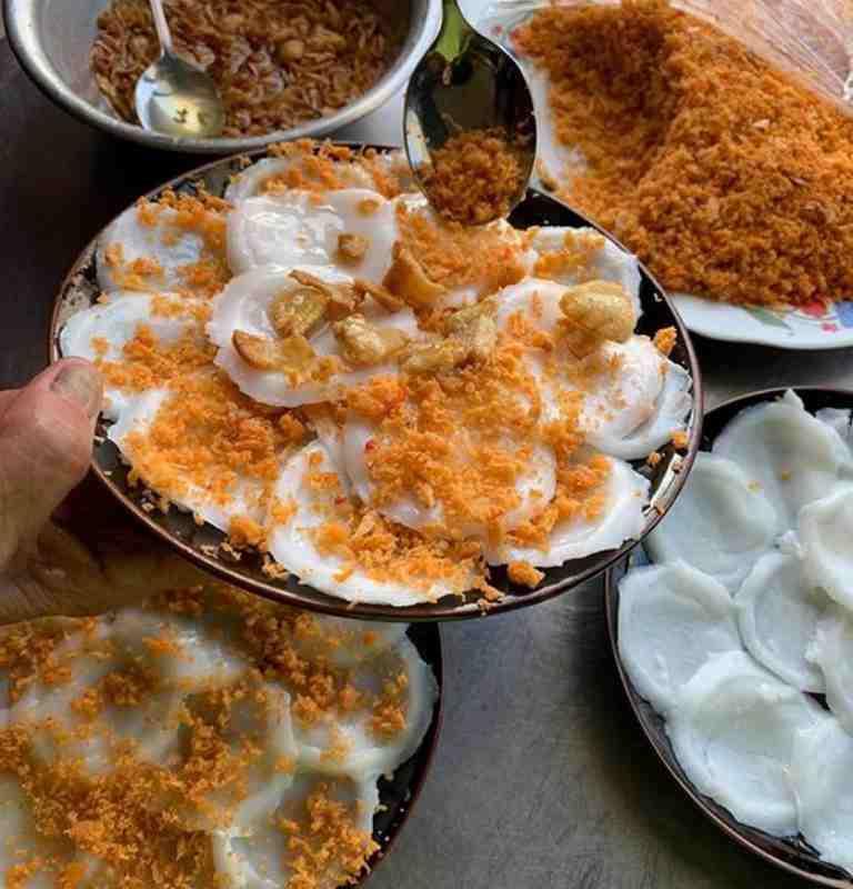 Tại Quảng Bình có vô vàn các món ăn dân dã mà có sức hút riêng, trong số đó không thể không kể đến món bánh bèo