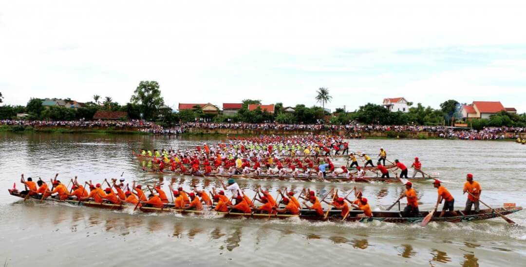 lễ hội đua thuyền Lệ Thủy góp phần tích cực giúp cho du lịch Quảng Bình được quảng bá rộng rãi hơn