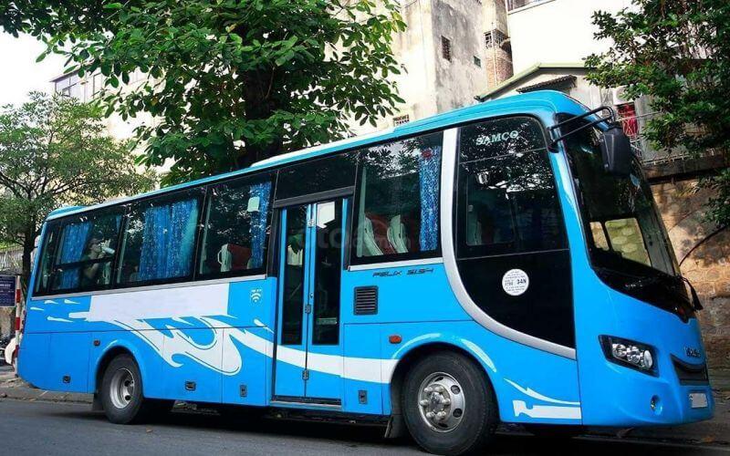 Thuê xe du lịch 35 chỗ Samco đời mới tại Quảng Bình