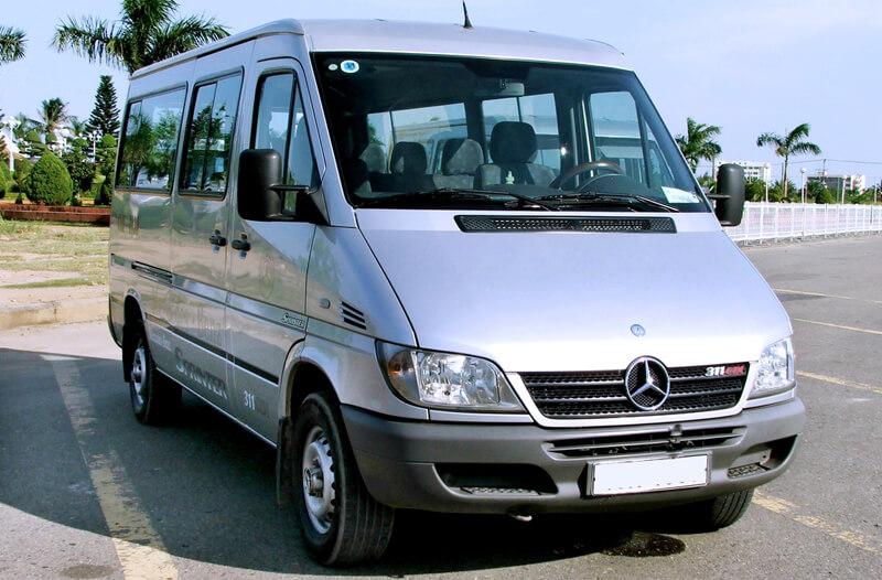 Thuê xe 16 chỗ Quảng Bình: Mercedes Sprinter