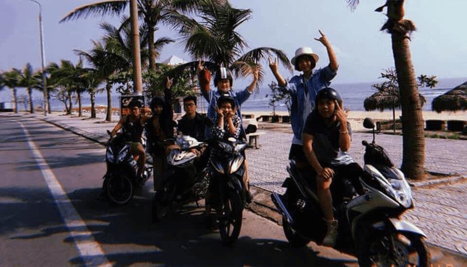 Thuê xe máy đi Suối Moọc phù hợp các bạn trẻ