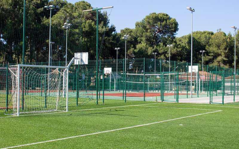 Không gian sân bóng tại Luxe Football