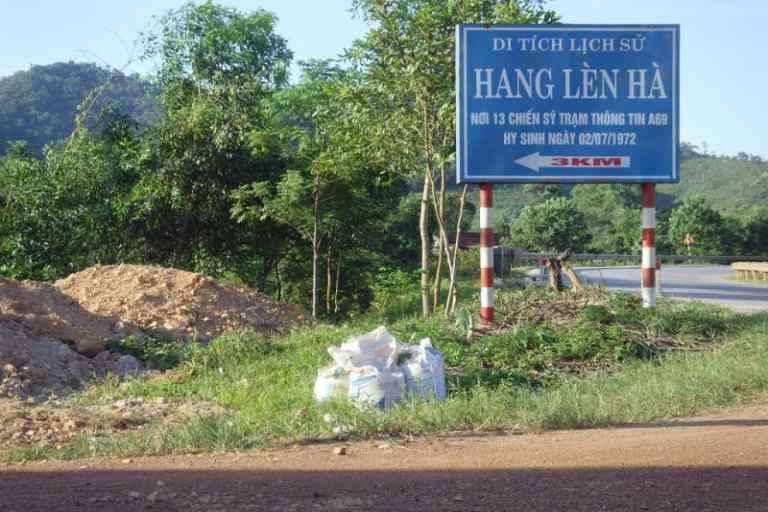 Đường vào Di tích lịch sử Quốc gia Hang Lèn Hà, xã Thanh Hóa, huyện Tuyên Hóa