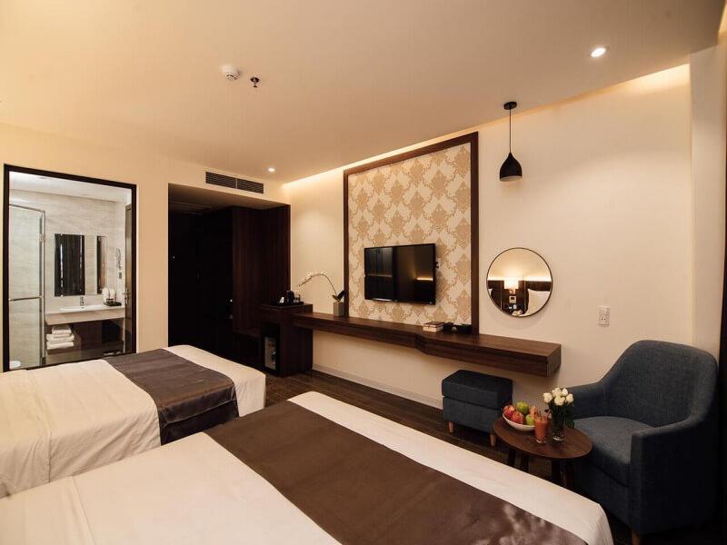 Phòng gia đình hướng núi tại Khách sạn Phương Bắc Quảng Bình