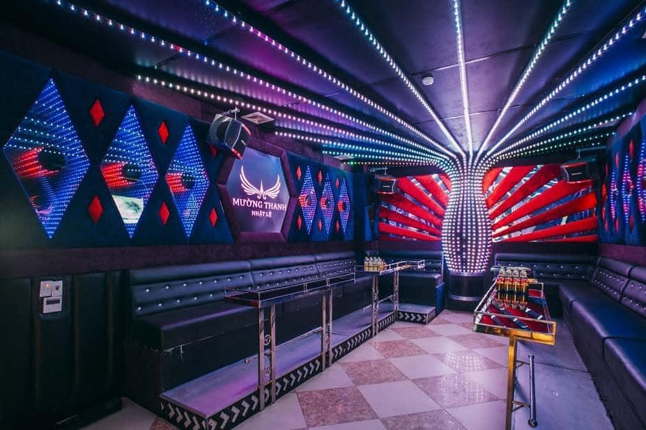 Phòng hát Karaoke hiện đại tại Mường Thanh luxury Quảng Bình