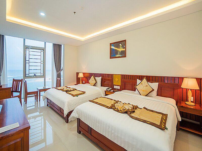 Phòng của khách sạn vĩnh hoàng quảng bình rất sang trọng và view đẹp