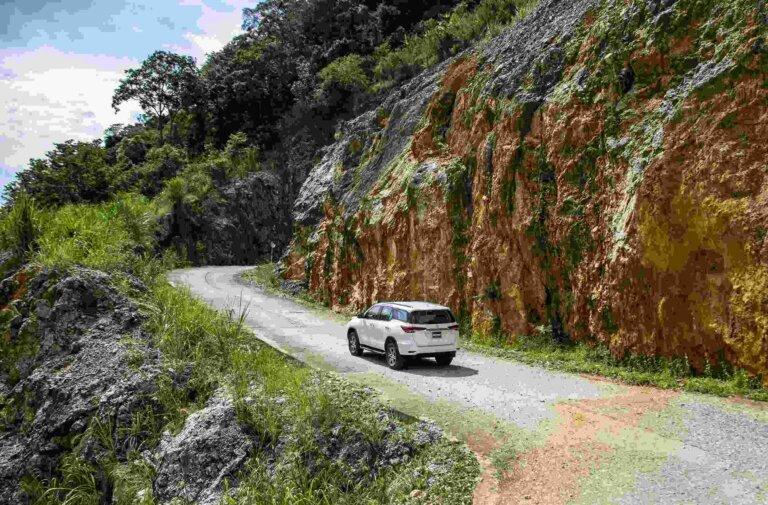 Động cơ xe Fortuner 7 chỗ phù hợp đi chuyển đường đèo, leo dốc