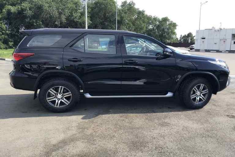 Kiểm tra thân và ngoại thất của xe ô tô Toyota Fortuner để tránh mất tiền oan