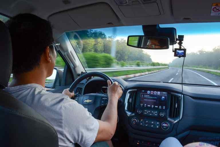 Đội ngũ tài xế có kinh nghiệm dày dặn, kỹ thuật lái xe lâu năm tại QBTravel