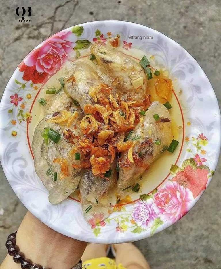 Bánh lọc Mệ Xuân xứng đáng là món ăn vặt ngon nhất ở Đồng Hới