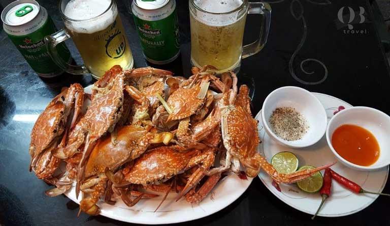 Quán hải sản với rất nhiều món hải sản rất rẻ nhưng ngon hấp dẫn