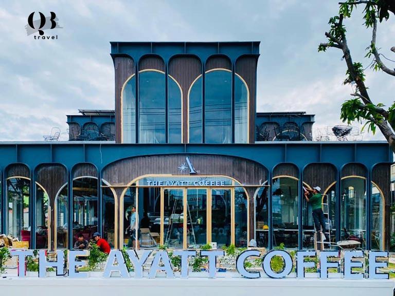 Quán cafe nằm ở con đường đắc địa Phạm Văn Đồng