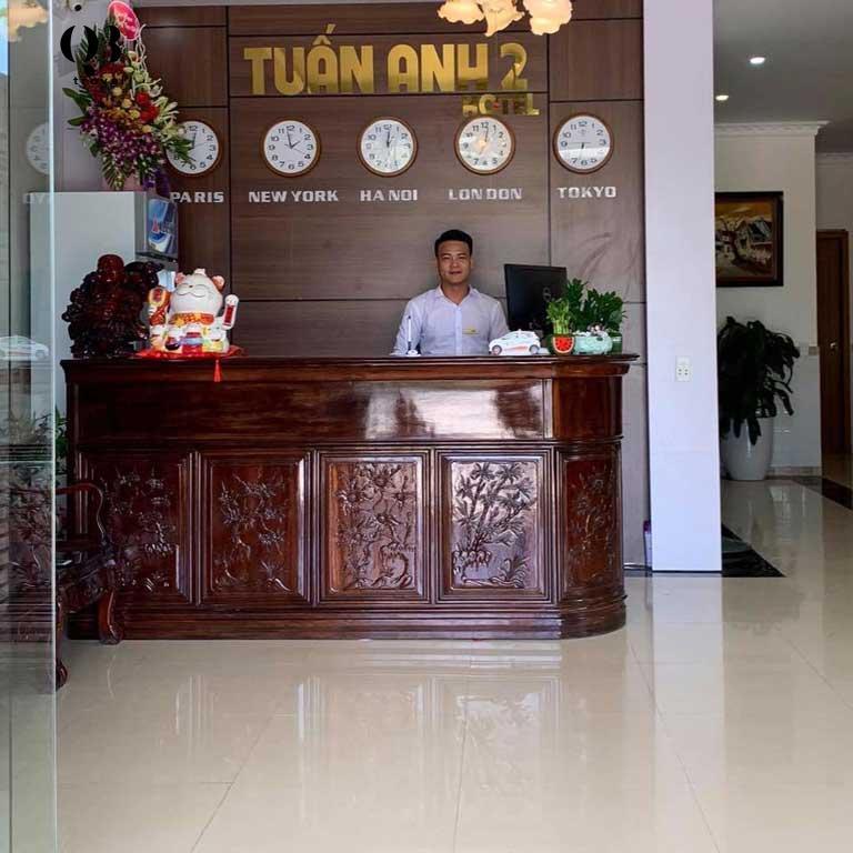 Quầy lễ tân tại khách sạn Tuấn Linh 2 Quảng Bình