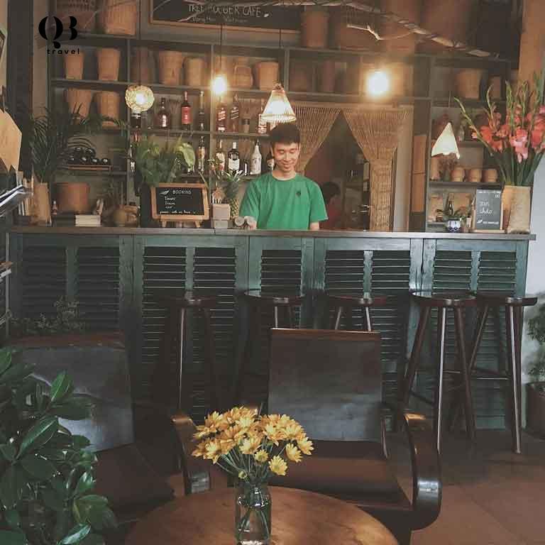 Tree Hugger Café ( Cà Phê Người Ôm Cây ) - 30 Nguyễn Du - Đồng Hới