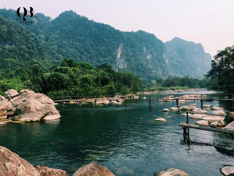 Phong cảnh hùng vĩ giữa những con sông và dãy núi cao