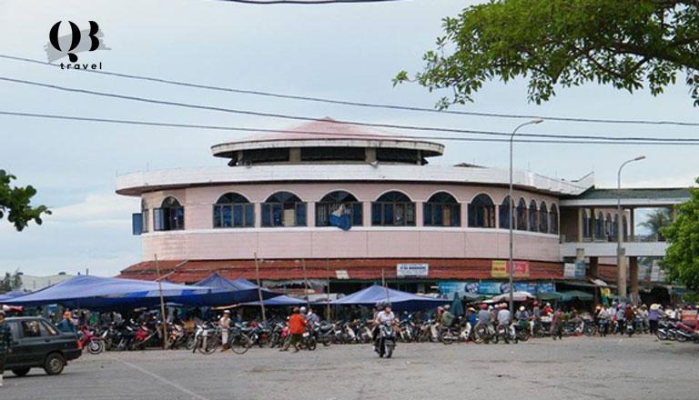 Chợ Đồng Hới là chợ đầu mối hải sản lớn nhất Quảng Bình