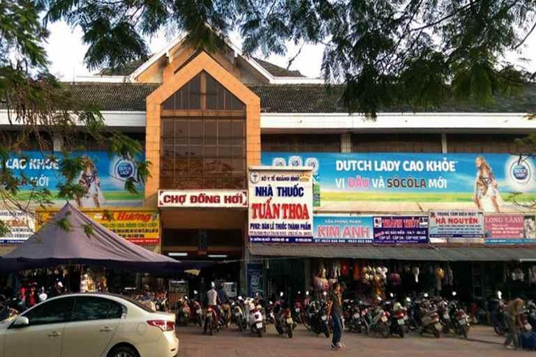 Khuôn viên chợ Đồng Hới Quảng Bình