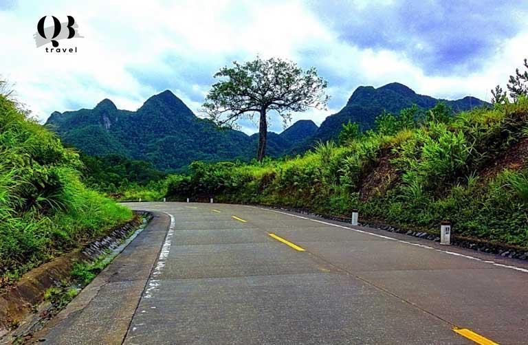 Đường Đèo Đá Đẽo tới thung lũng Chà Nòi
