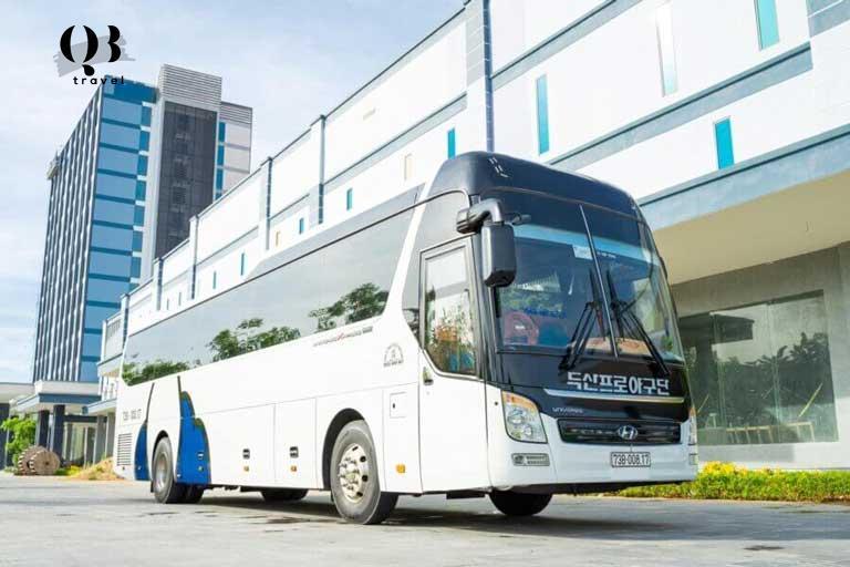 Di chuyển bằng xe du lịch đến Hang Va không chỉ tiện lợi mà tiết kiệm chi phí