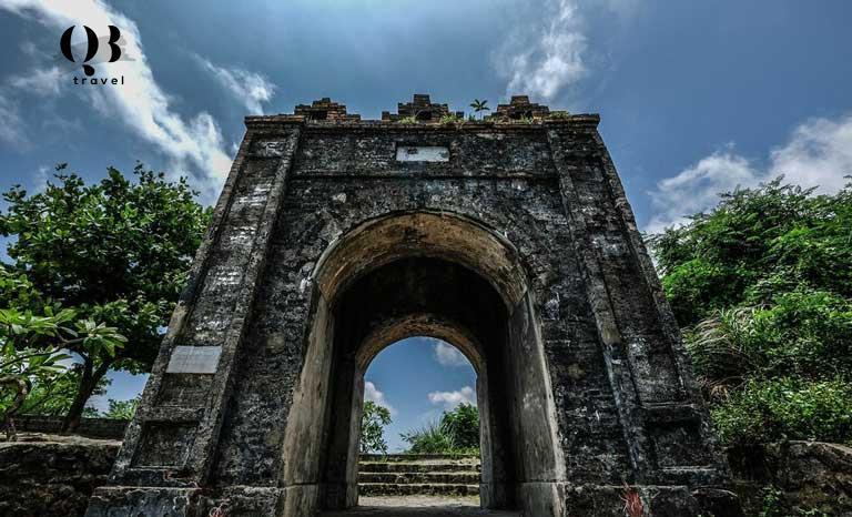 Di tích gắn liền với lịch sử - Hoành Sơn Quan