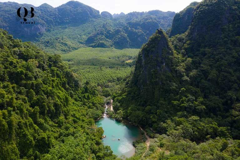 Khung cảnh thiên nhiên hùng vĩ của Tú Làn