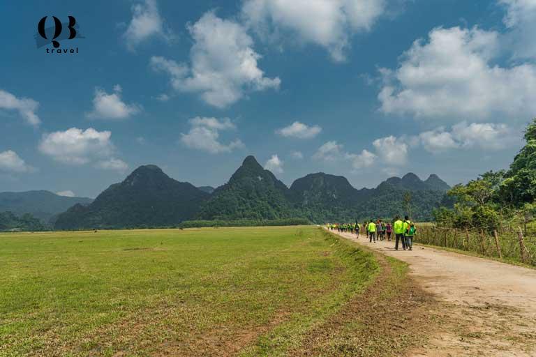 Đoàn thám hiểm Hang Va 2 ngày 1 đêm dành cho du khách trên 16 tuổi có niềm đam mê với du lịch khám phá