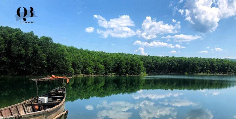 Vẻ đẹp tựa cổ tích của hồ An Mã