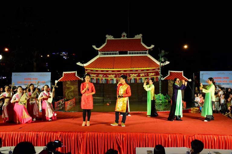 Hò khoan Lệ Thủy được biểu diễn nhiều trên sân khấu lớn