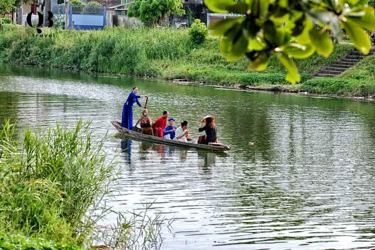 Hò khoan Lệ Thủy là loại hình nghệ thuật sông nước giàu giá trị nghệ thuật và văn hoá