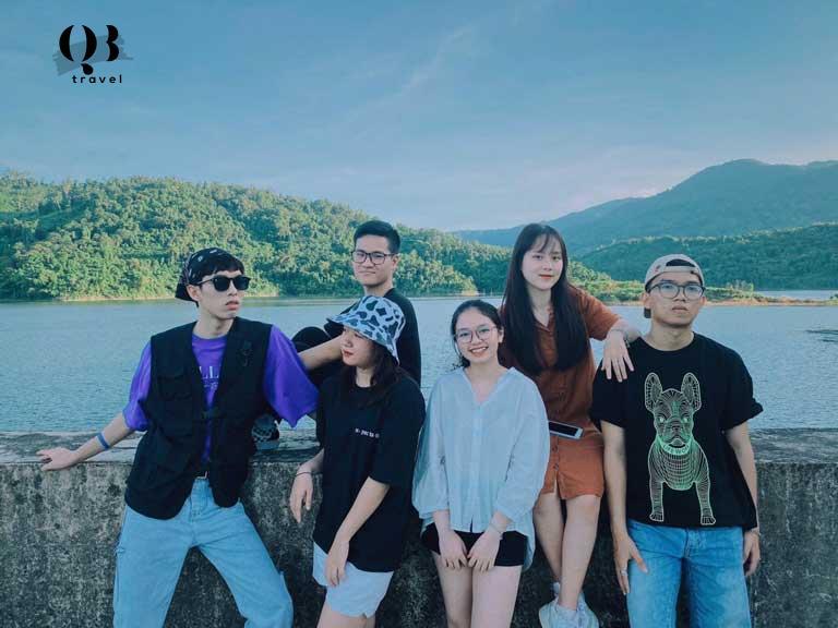Hồ thác Chuối được các bạn trẻ ưa chuộng làm bachground cho những bức hình selfie