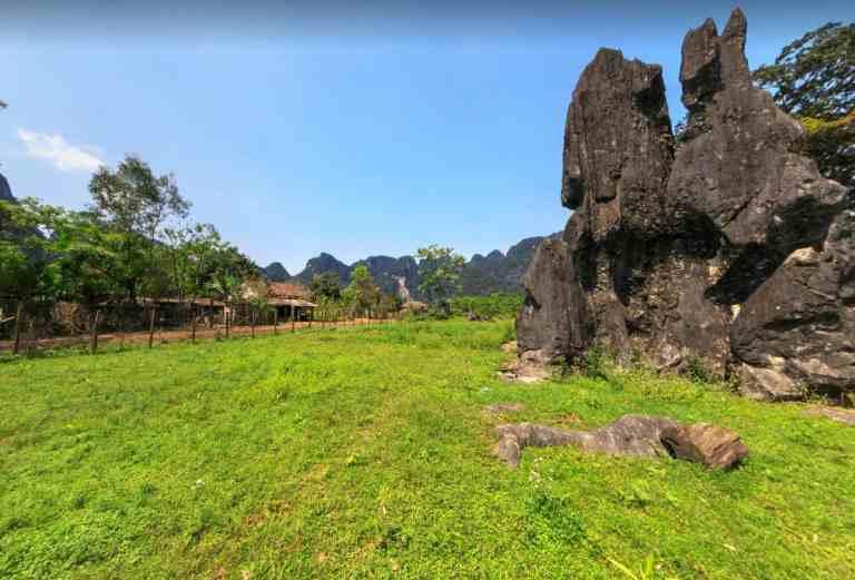 Làng đá mọc Yên Phú