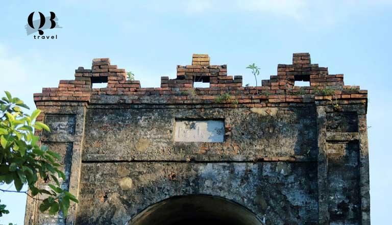 Kiến túc cổ lâu đời của Hoành Sơn Quan