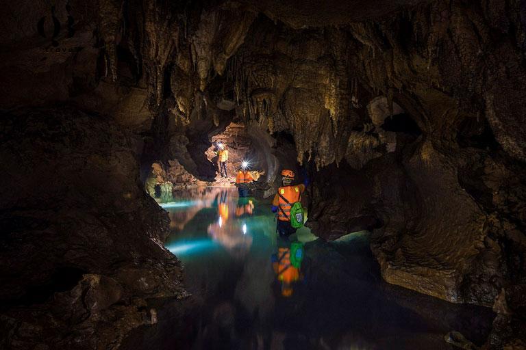Khám phá Hang Chà Lòi - địa điểm du lịch mới ở Quảng Bình