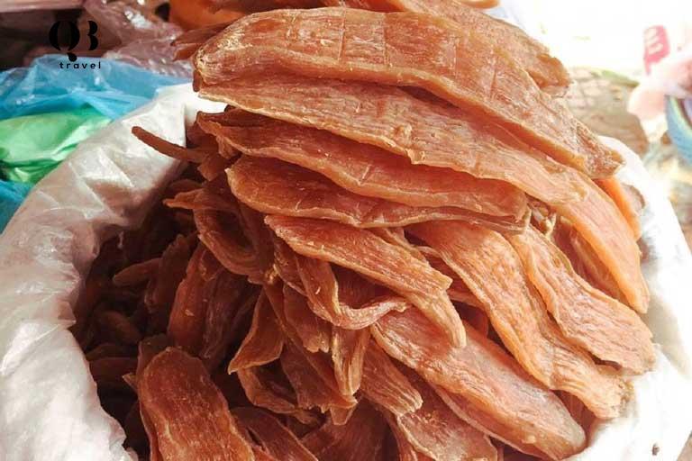 Khoai deo nên lựa loại mềm ăn liền, nhớ bọc trong túi kín. Khoai thấm nước, nên nếu khoai bị cứng, hãy vẩy nước vào và bọc trong bao kín, để qua đêm lại ngon như chưa từng được ngon