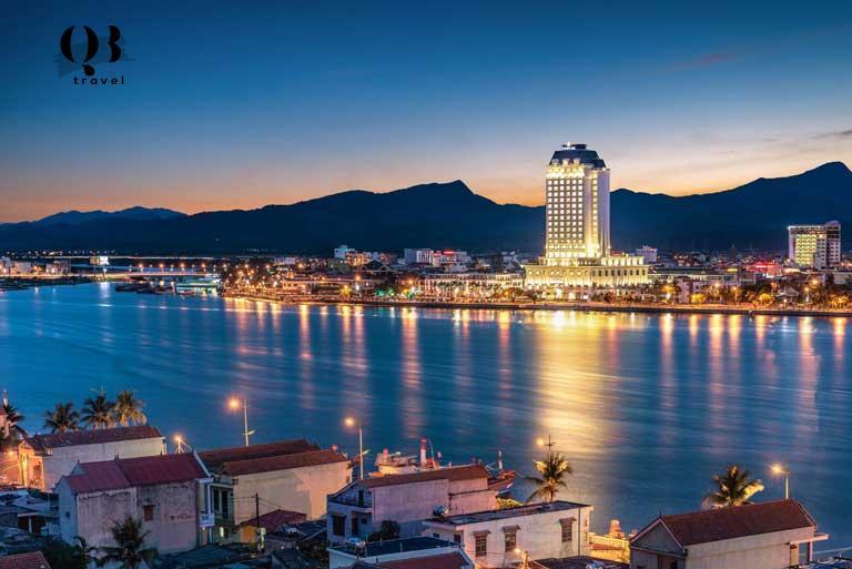 Lựa chọn khách sạn gần bờ biển Nhật Lệ du khách được trải nghiệm không khí trong lành, mát mẻ