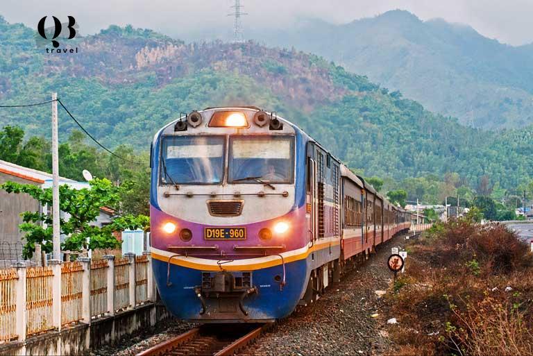 Lựa chọn tàu hỏa cho tour du lịch Đồng Hới Quảng Bình đem lại những trải nghiệm mới mẻ cho chuyến đi