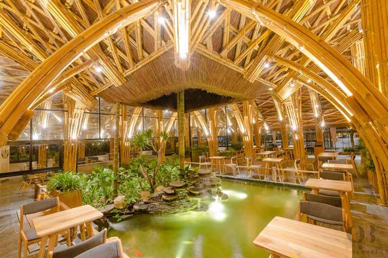Everland có kiến trúc đẹp nổi tiếng, vòm mái bằng tre được thiết kế công phu,ấn tượng