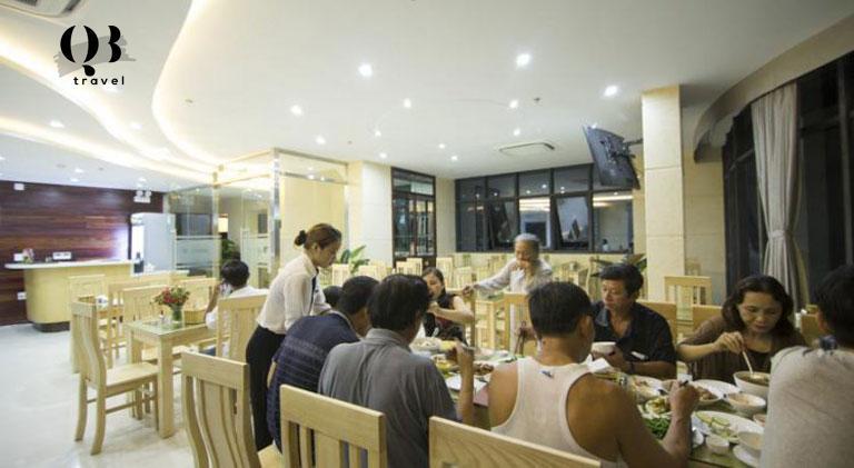 Không gian trải nghiệm ẩm thực tại khách sạn Cao Minh Đồng Hới