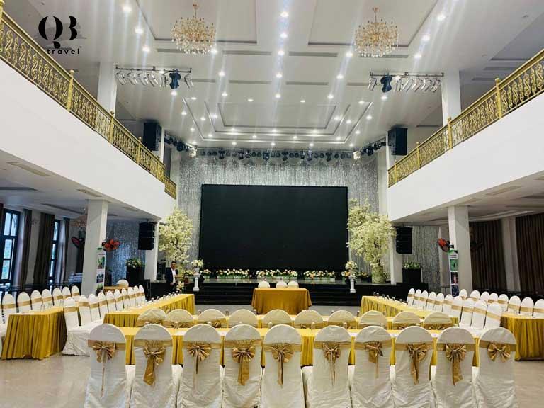 Không gian nhà hàng tiệc cưới Royal, Đồng Hới mang vẻ đẹp sang trọng xen lẫn cổ điển