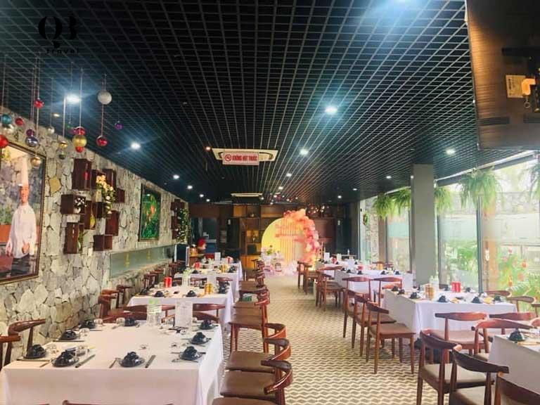 Không gian nhà hàng Sabochi được bài trí sang trọng
