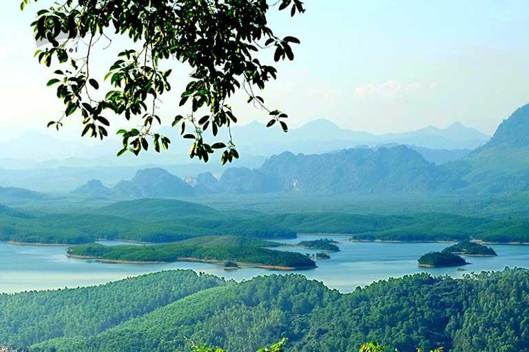 """Núi Thần Đinh gắn liền với sự tích """"đốt ngón tay"""" của vua Càn Long"""
