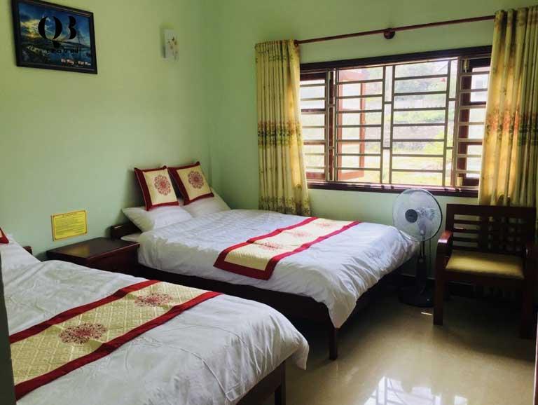 Phòng 2 giường đôi tại khách sạn Việt Lào, Đồng Hới, Quảng Bình