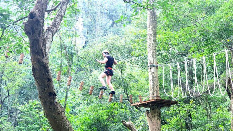 Trải nghiệm 22 trò chơi trên cây tại công viên Ozo