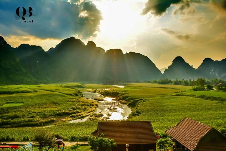 Ánh nắng chiếu rọi vào tháng 4 tới tháng 9 tại Quảng Bình