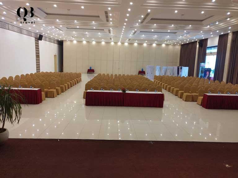 Sảnh hội nghị đơn giản nhưng sang trọng tại Luxe